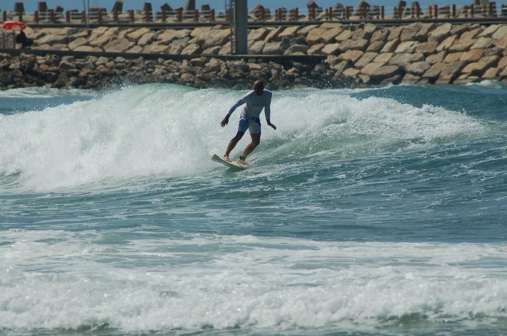 הגלים ואני