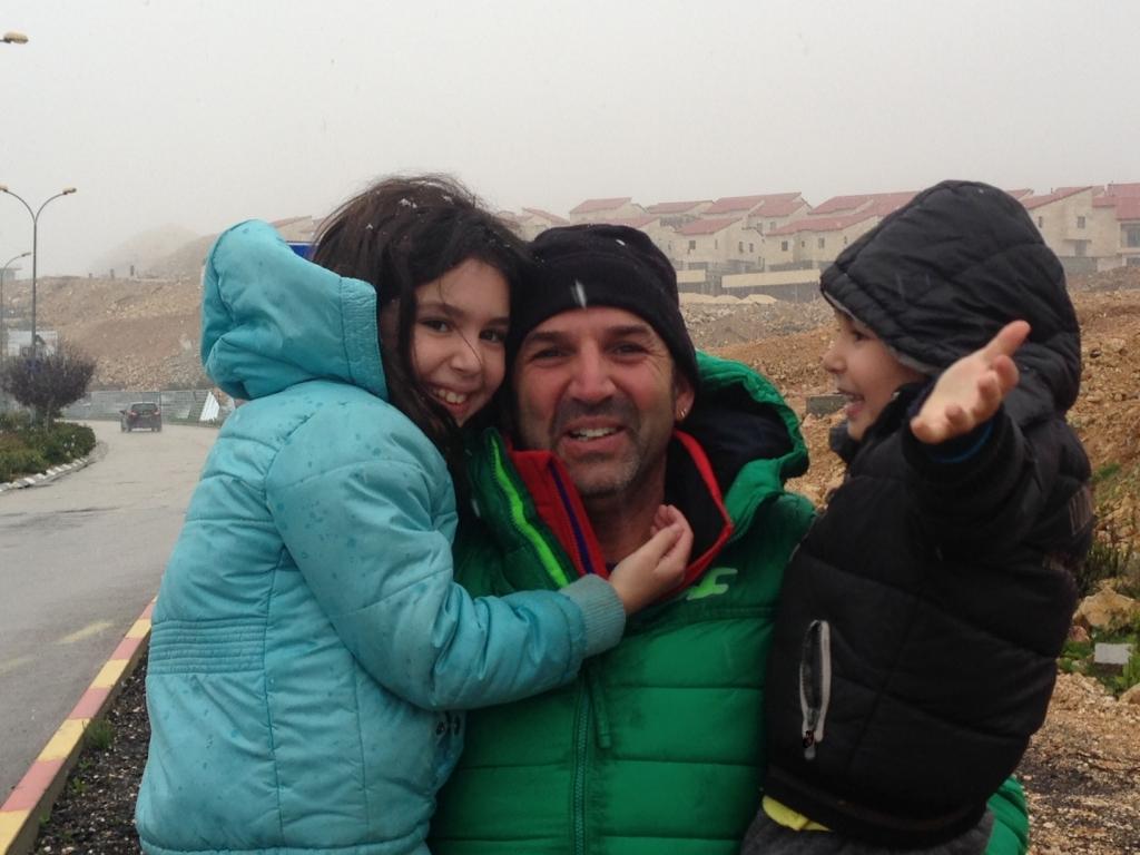 שלג באריאל לאתר