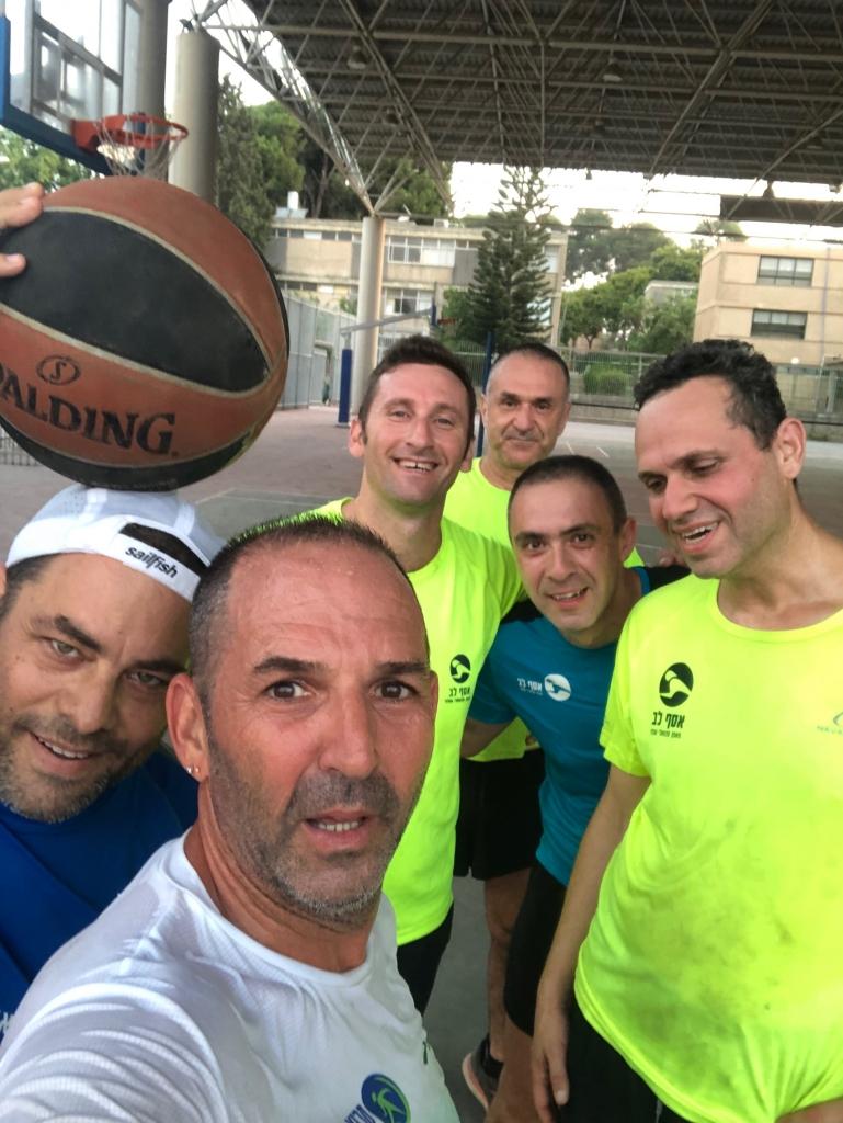 קואורדינציה, התמצאות במרחב ועבודת צוות; משחקי כדור